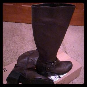 Tall Boot Grayish Brown Color By Vince Camuto.